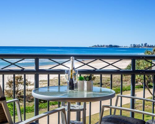 Gold-coast-waterfront-accommodation (1)