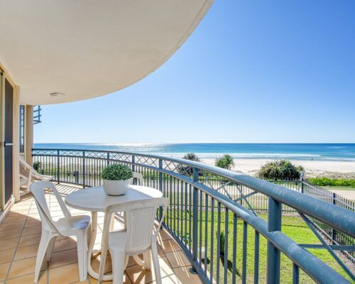 Gold-coast-waterfront-accommodation (4)