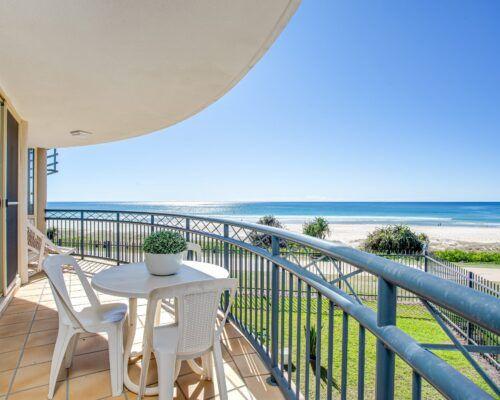 Gold-coast-waterfront-accommodation (4)