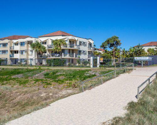 Gold-coast-waterfront-accommodation (5)