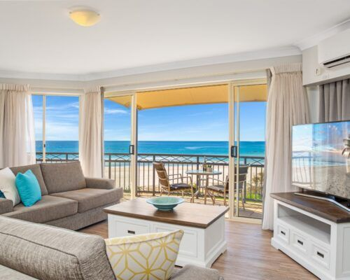Gold-coast-waterfront-accommodation (6)