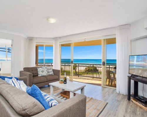 Gold-coast-waterfront-accommodation (8)