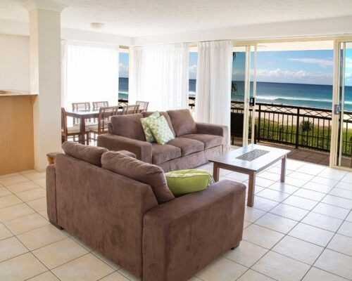 Golden-Riviera-2-Bedroom-Beachfront-Apartment (13)