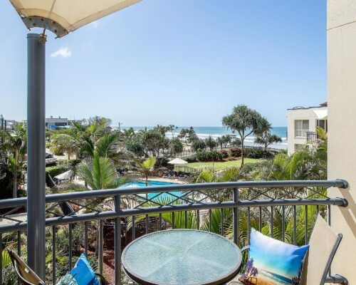 Golden-Riviera-2-Bedroom-Garden-View-Apartment (4)